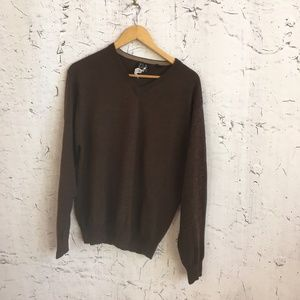 JOS A BANK BROWN V NECK WOOL SWEATER M